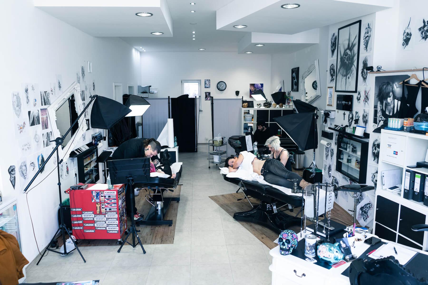 Holz-und-Tinte-Tattoo-Studio-Hero
